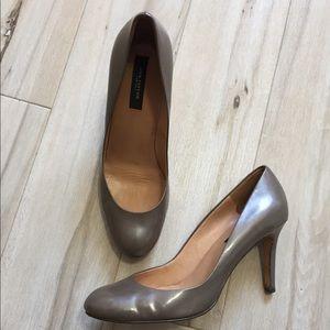 Ann taylor patent leather pumps size 7